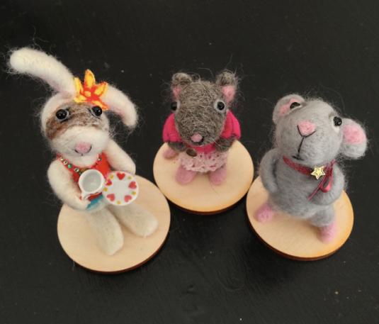 Lotte Leo characters