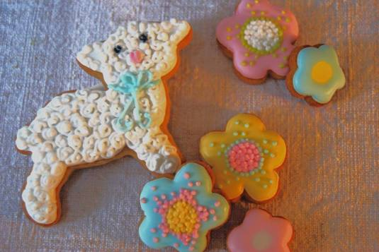 Easter iced biscuits by Rosehip